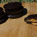 Spirulina peanut butter cups recipe